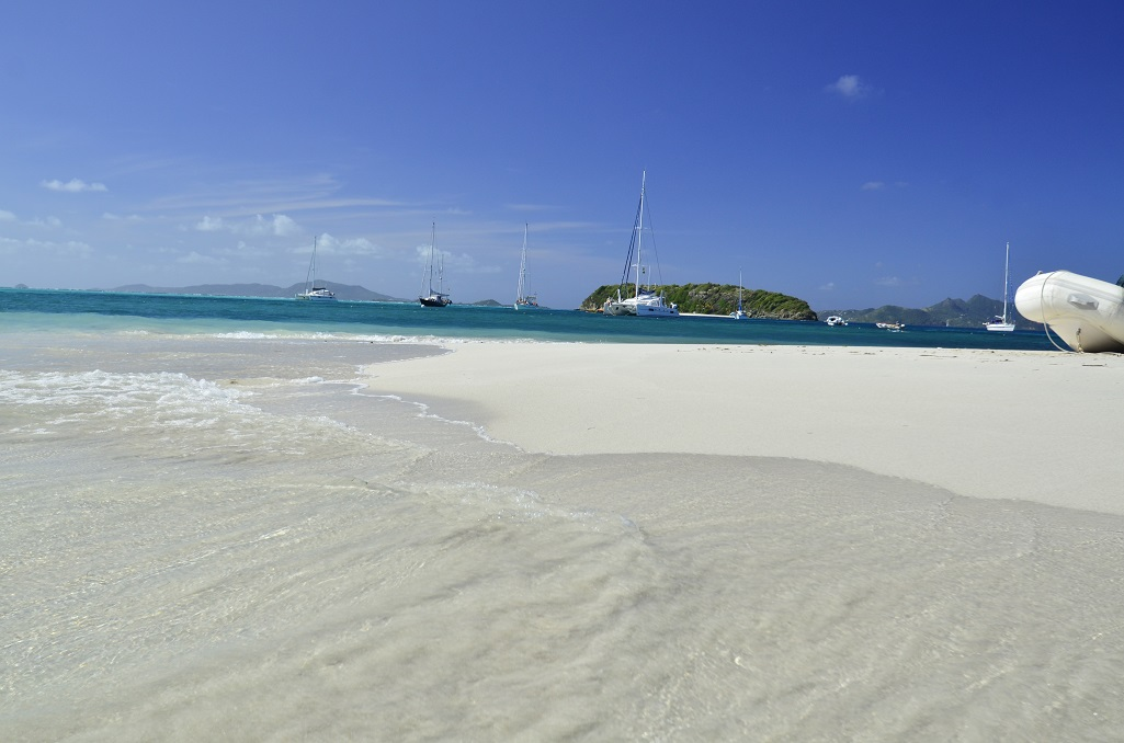 Les Grenadines plage sable blanc